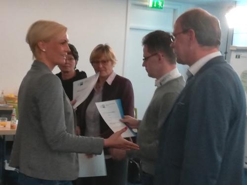Fachkraft Ausbildung für nachhaltige Entwicklung (IHK) Bundesweit erste Zertifikate übergeben